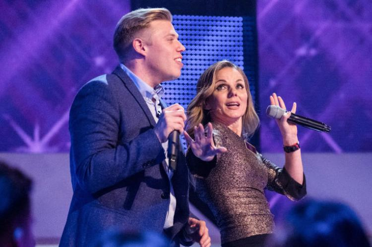 All Together Now - Rob Beckett and Geri Horner