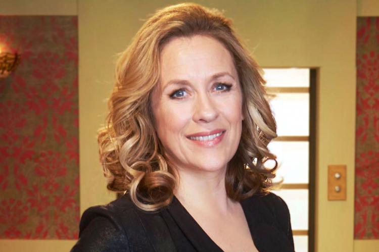 Four Rooms With Sarah Beeny