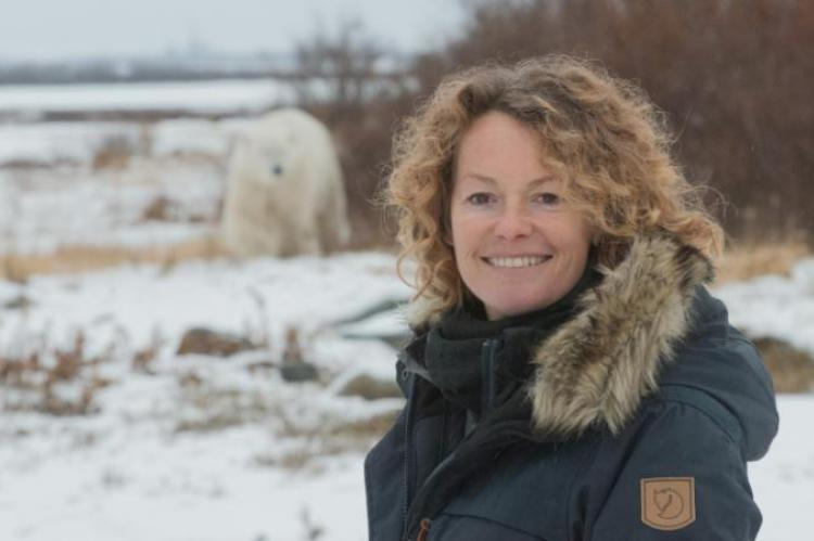 Kate Humble and a polar bear in Arctic Live