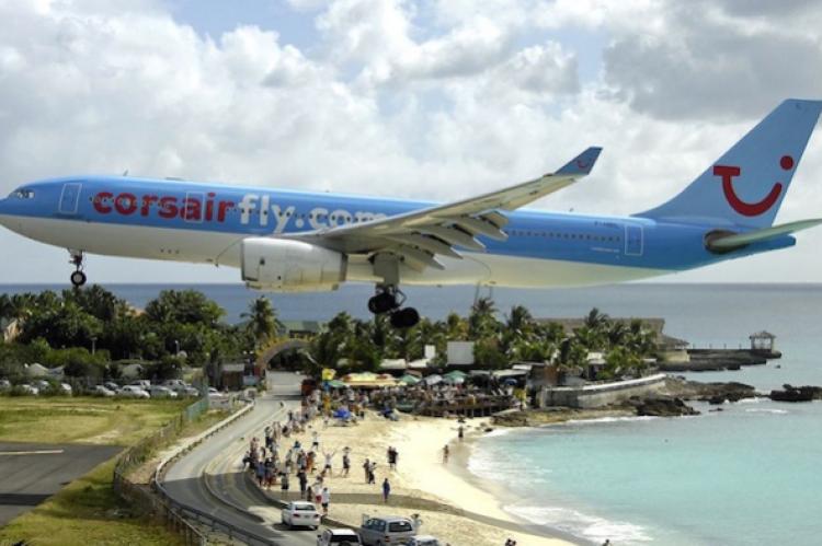 Scary landing in St Maarten airport